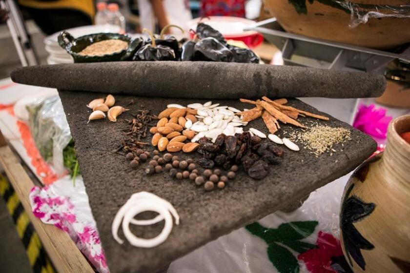 Cocineras tradicionales muestran la riqueza gastronómica de Oaxaca