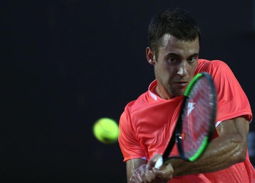 Djere, número 90 en la clasificación internacional disputará el primer título ATP de su carrera el domingo frente al vencedor del partido entre el uruguayo Pablo Cuevas y el canadiense Felix Auger-Aliassime. EFE/Archivo