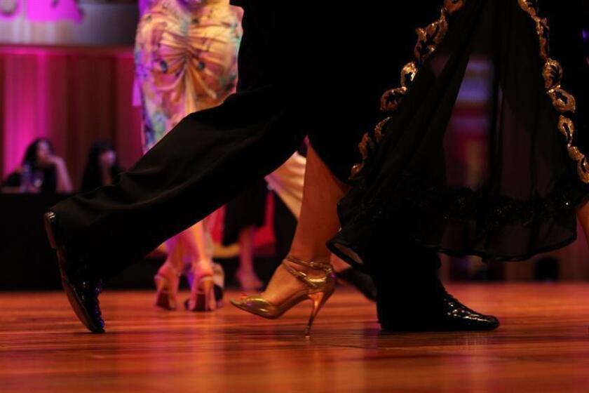 """Aprender a bailar tango en la tercera edad es un sueño por el que vale la pena luchar, según narra la historia de """"Tango Dreams"""", un cortometraje de ficción del peruano Steven Salgado que ha sido estrenado en Miami. EFE/ARCHIVO"""