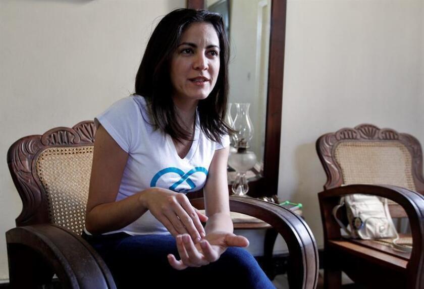 Rosa María Payá, líder de la iniciativa Cuba Decide, habla con la prensa en La Habana (Cuba). EFE/Archivo