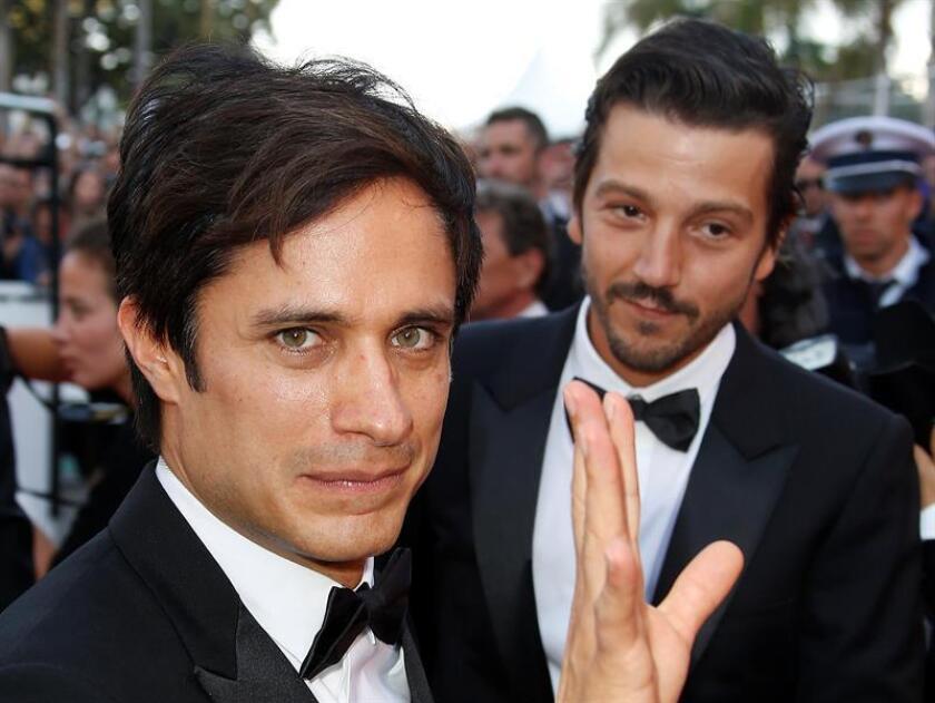 Los actores y directores de cine mexicanos Diego Luna y Gael García Bernal anunciaron hoy su salida de la productora cinematográfica Canana Films que fundaron hace 14 años y que quedará en manos del también actor mexicano Pablo Cruz. EFE/ARCHIVO