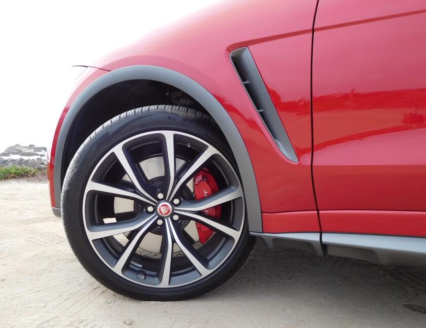 JagF-Pace-SVR-Tire-Wheel-2.JPG