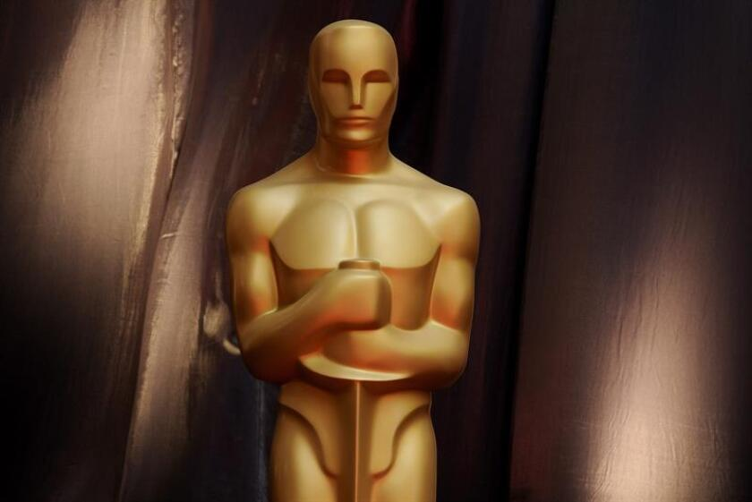 """Los Óscar querían pasar por el quirófano, pero la comunidad cinéfila ha rechazado el """"lifting"""". La Academia de Hollywood anunció esta semana cambios en la gala más importante del cine, como un premio a la mejor película """"popular"""", pero se ha encontrado con una gran oposición en diversos frentes. EFE/Archivo"""