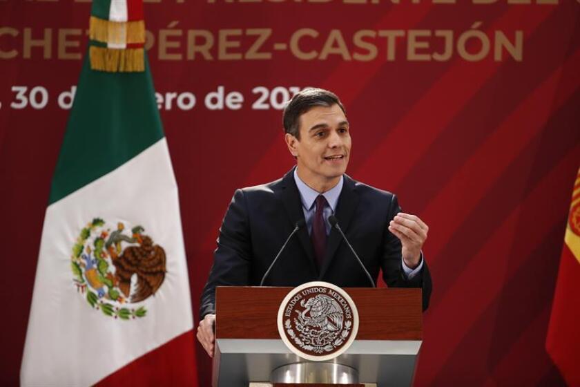 El presidente del Gobierno español, Pedro Sánchez, habla durante una rueda de prensa conjunta con el presidente de México, Andrés Manuel López Obrador, este miércoles en el Palacio Nacional, en Ciudad de México (México). EFE