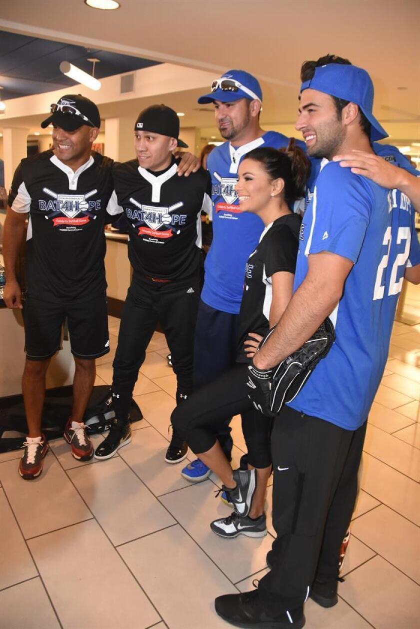 """Eva Longoria es portavoz nacional de la organización Padres contra el cáncer, entidad fundada en 1985 y que organizó el evento """"Bat 4 Hope"""" (Batear por la esperanza), para recaudar fondos a través de la venta de boletos."""