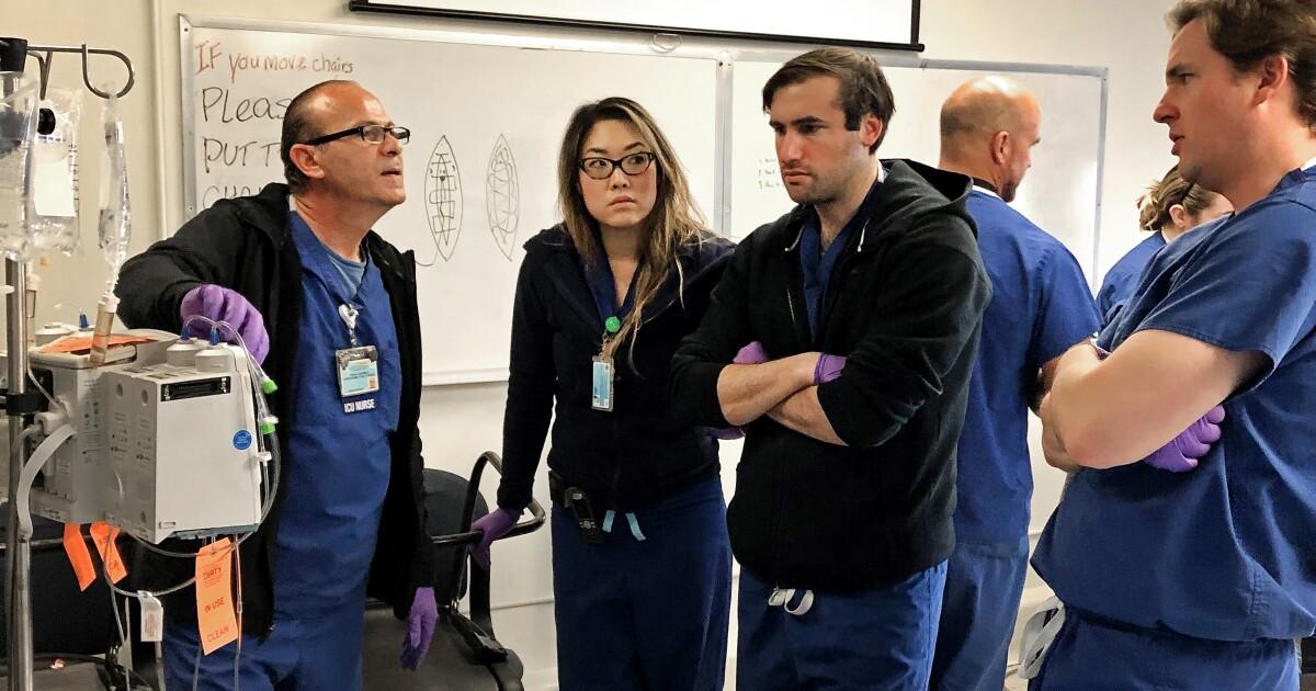 Ini adalah bagaimana kita mendapatkan tambahan dokter dan perawat untuk melawan coronavirus