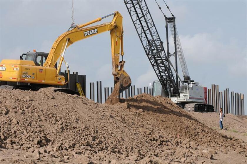 La inversión fija bruta en maquinaria y construcción en México disminuyó un 0,3 % en noviembre pasado respecto al mes precedente, según cifras del Instituto Nacional de Estadística y Geografía (Inegi) ajustadas por estacionalidad. EFE/ARCHIVO