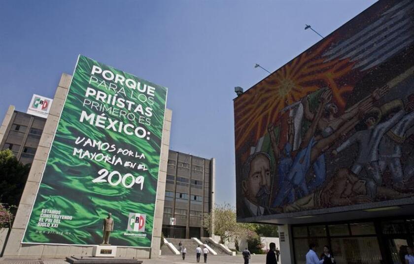 Fotografía de archivo del edificio del Partido Revolucionario Institucional (PRI) en Ciudad de México. EFE/Archivo