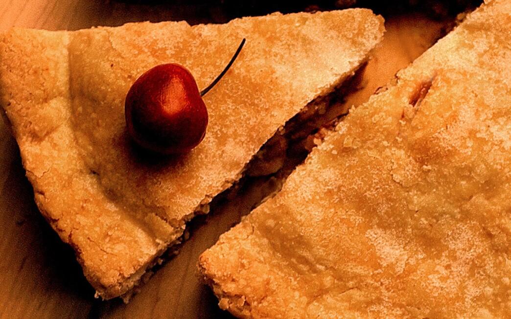 Cherry sour cream pie
