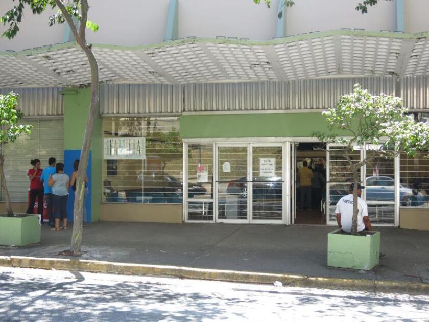 Ayuda alimentaria en P.Rico entra en segundo mes emisión tras el incremento