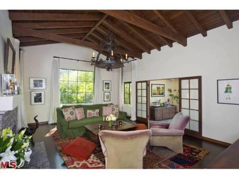 Jonny Lee Miller lists Hollywood Hills home