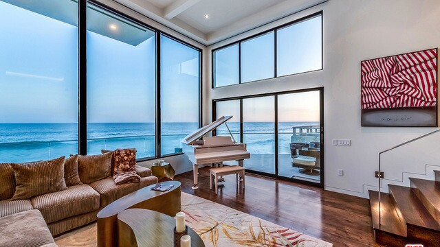 Hot Property | Former Barry Manilow