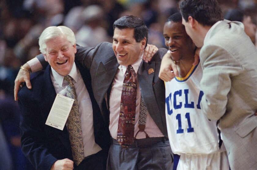 Basketball  College  Games  NCAA Tournament 1995 West Regional