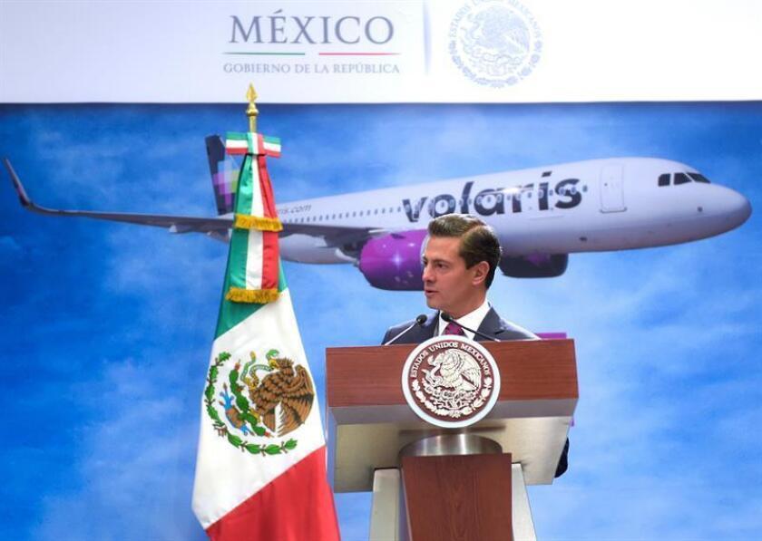 Fotografía cedida por la casa presidencial del presidente de México, Enrique Peña Nieto, hablando durante una acto hoy, martes 16 de enero de 2018, en la residencia oficial de los Pinos, en Ciudad de México (México). EFE/Presidencia de México/SOLO USO EDITORIAL