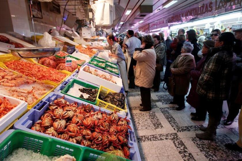 En la imagen, una pescadería en el madrileño mercado de Chamberí. EFE/Archivo
