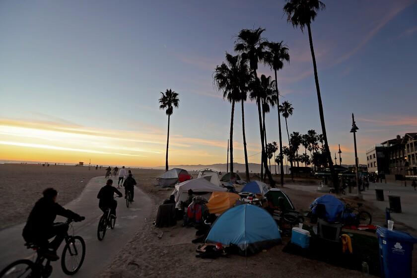 LOS ANGELES, CA. - FEB. 11, 2021. Homeless encampment, Venice Beach, Calif. (Luis Sinco/Los Angeles Times)