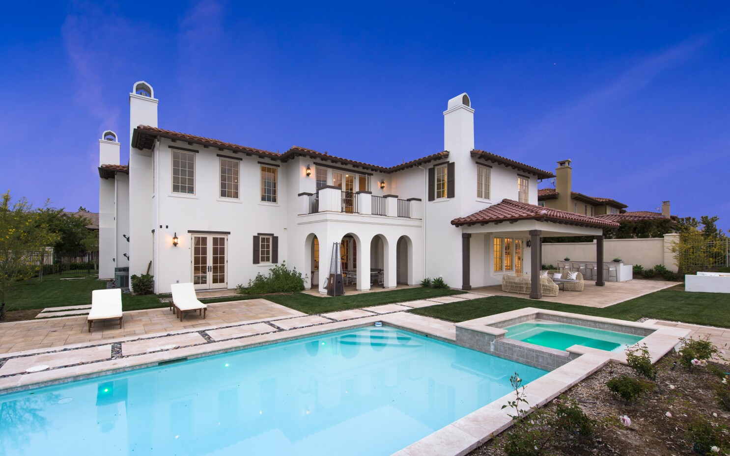 Talent manager Stella Stolper lists Calabasas crib for $4.3 million.