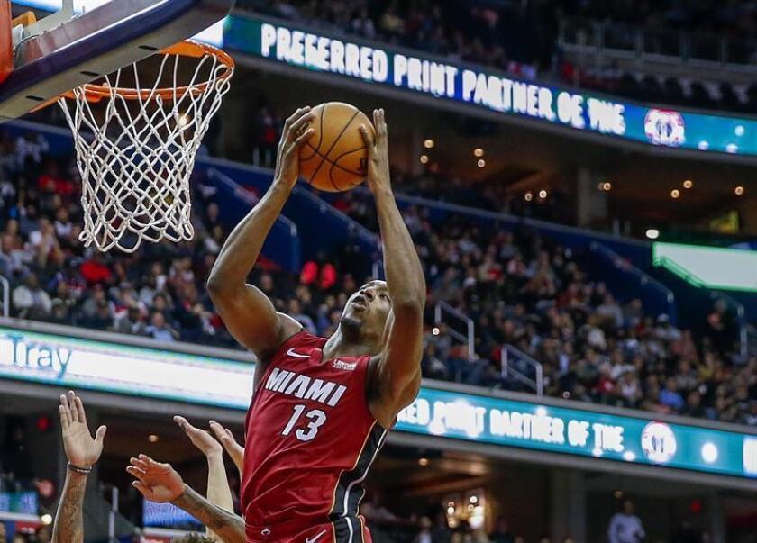 El pívot de Miami Heat Bam Adebayo en acción. EFE/Archivo