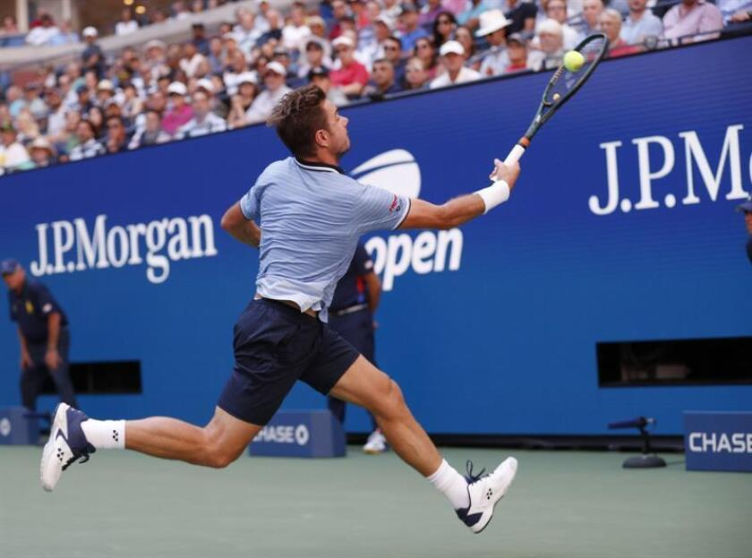 Medvedev outlasts Wawrinka to claim berth in US Open semis