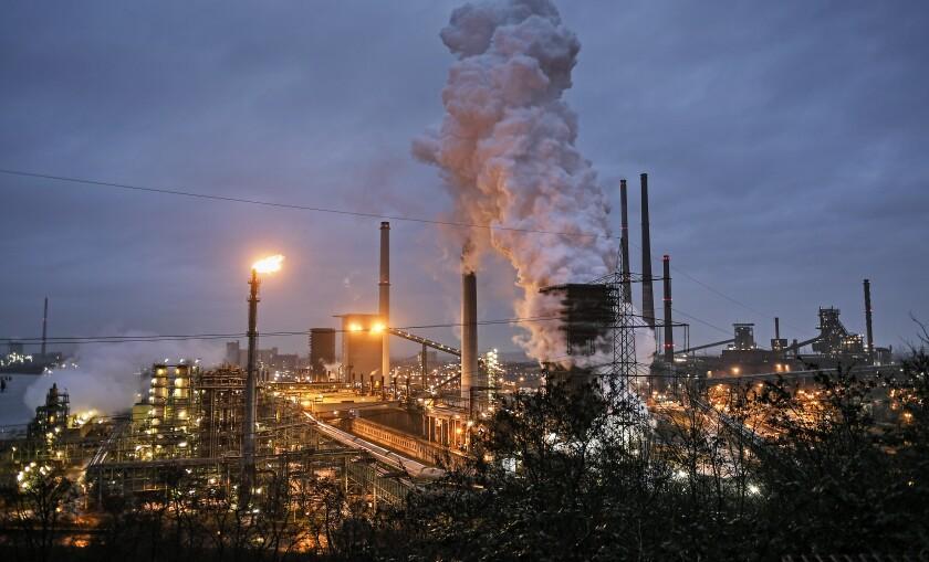Foto de archivo del 30 de enero de 2020 de una planta de procesamiento de coque de ThyssenKrupp