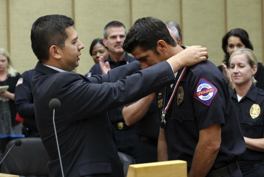 San Diego lifeguard honored for bravery - The San Diego