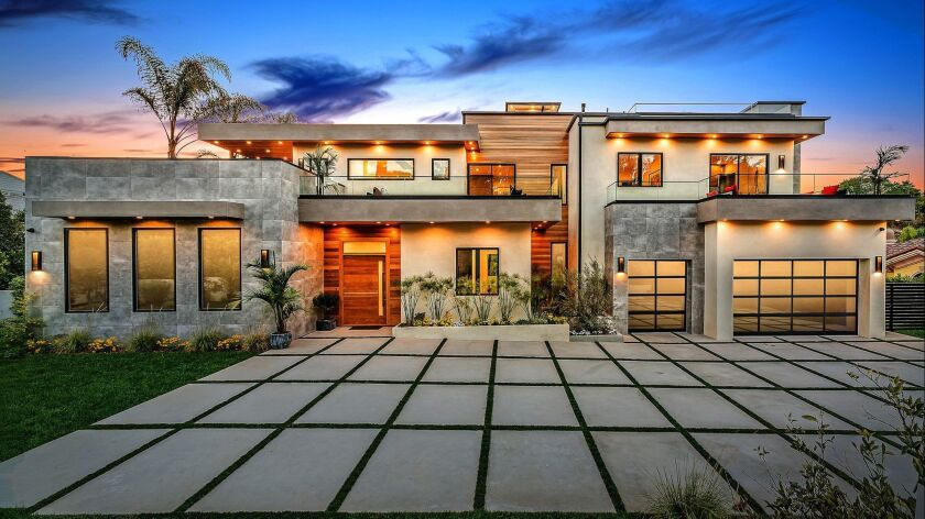 Home of the Week | In Encino, a gold standard in modern nesting