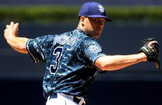 Padres beat D-backs 5-1; Clayton Richard pitches complete game