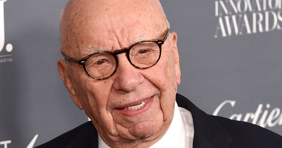 News Corp.  buys Investor's Business Daily for $ 275 million