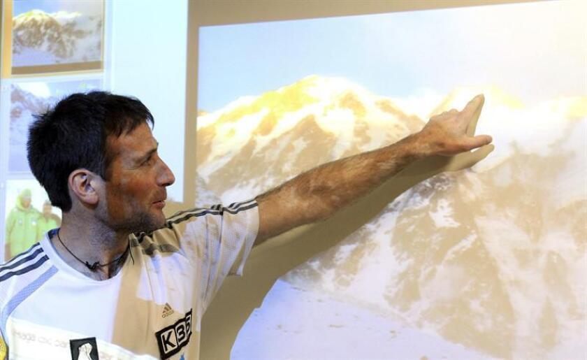 Imagen de archivo del alpinista Alex Txikón. EFE/Archivo