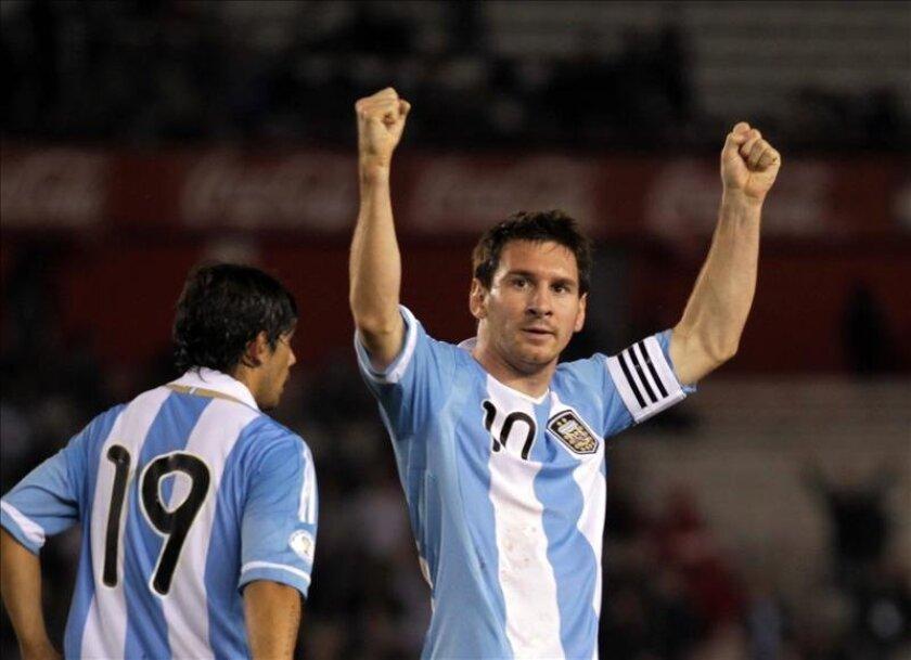 El jugador Lionel Messi (d) de Argentina. EFE/Archivo