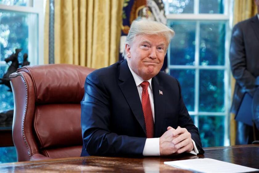 Trump asegura que si no fuera por la trama rusa su aprobación sería del 75 %