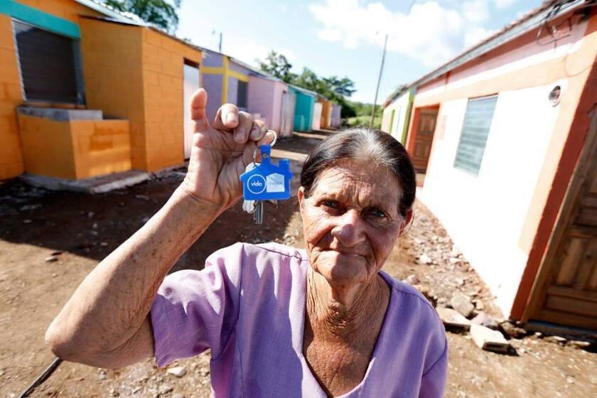 Alrededor de 220 casas se completaron en las últimas dos semanas en varias partes del país, como de los programas sociales del gobierno de Honduras. A través del programa Remesa Solidaria buscan que los migrantes contribuyan al desarrollo local y que sean ellos los que identifiquen los lugares en donde implementar los proyectos.