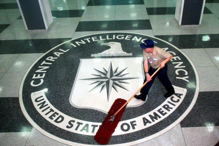 Las autoridades informaron hoy de la detención este lunes de un antiguo agente de la Agencia Central de Inteligencia (CIA) que se enfrenta a cargos por posesión ilegal de información clasificada que afecta a la seguridad nacional del país. EFE/EPA/ARCHIVO/POOL