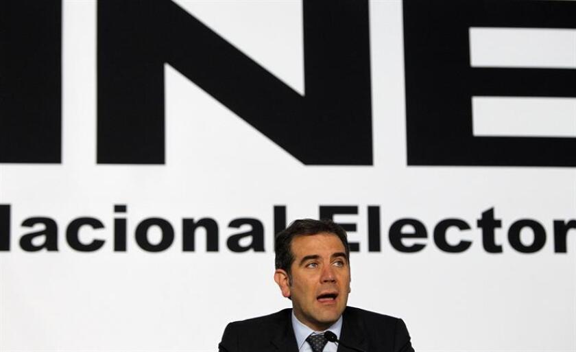 El presidente del Instituto Nacional Electoral (INE), Lorenzo Córdova, participa hoy, jueves 5 de julio de 2018, durante una rueda de prensa en Ciudad de México (México). EFE