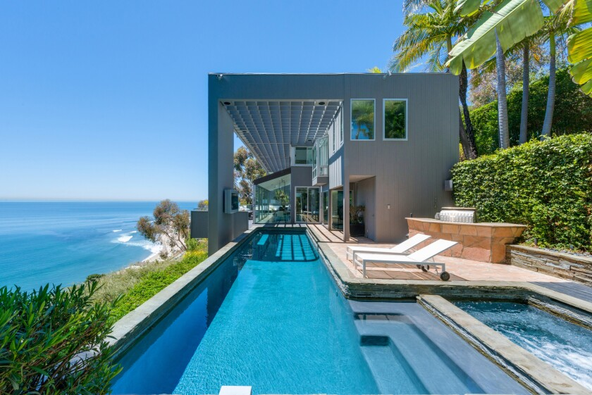 """""""Friends"""" star Matthew Perry had listed the Malibu contemporary for sale at $12.5 million."""