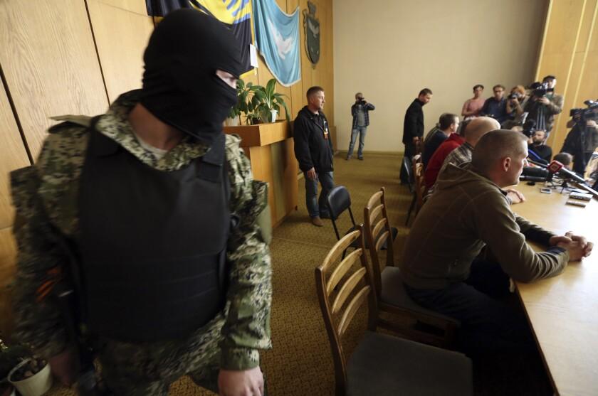 Ukrainian gunmen