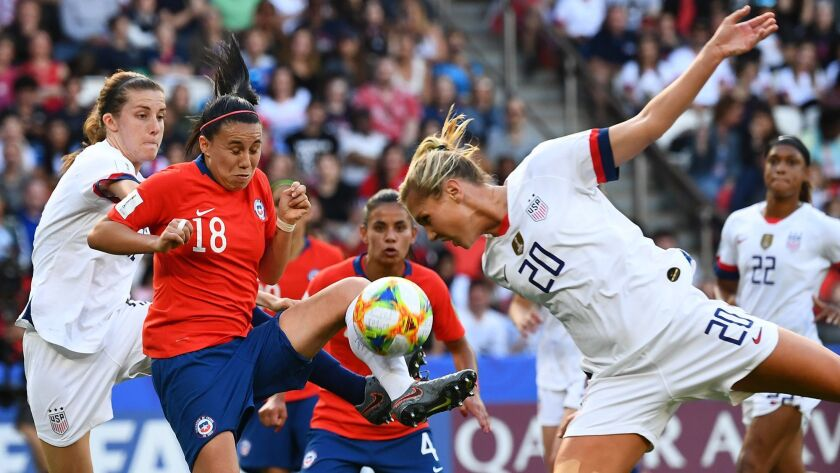 US beats Chile 3-0 with heavily-rotated lineup, Carli Lloyd sets World Cup record