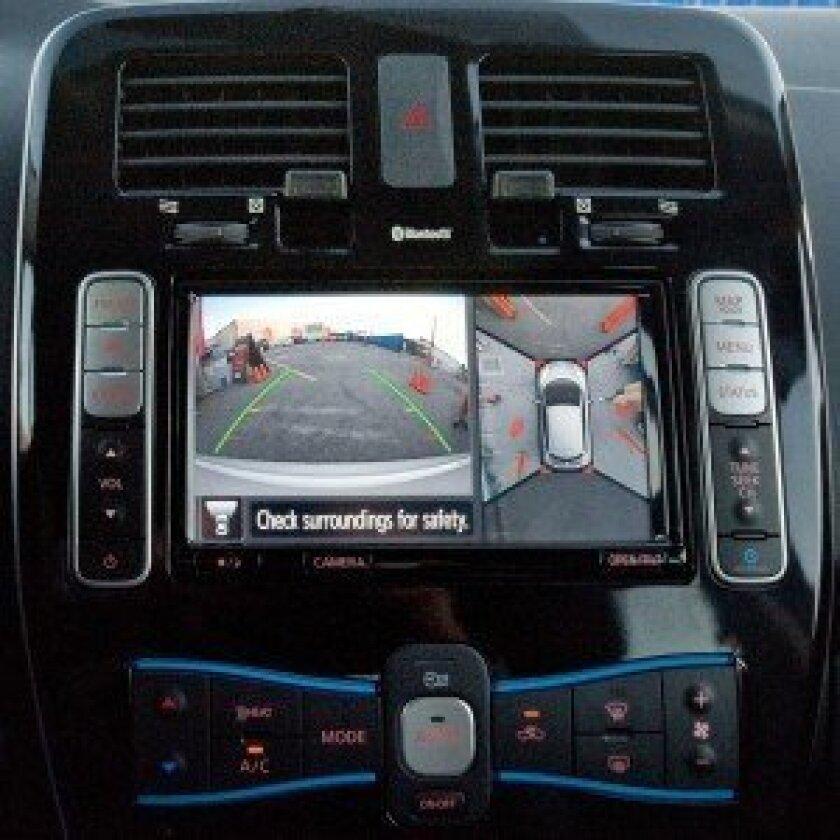 High visibility Nissan Leaf
