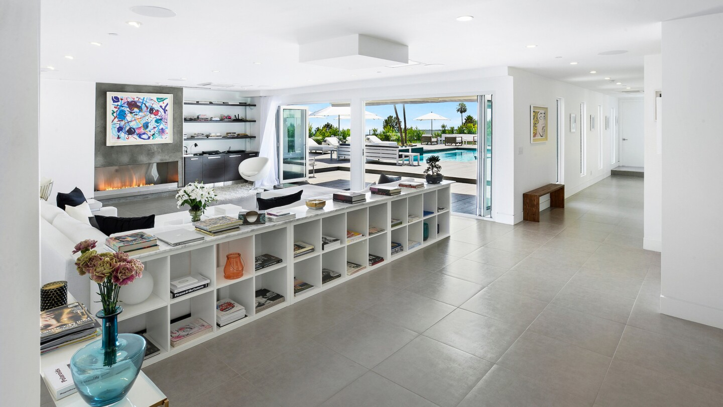 Ron Curtis' home in Beverly Hills   Hot Property