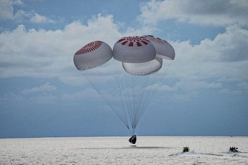 Así fue el viaje orbital de los turistas espaciales | 5 videos