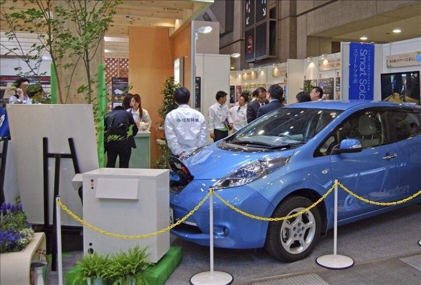 Cápsulas de oxígeno, bañeras de microburbujas, generadores eléctricos ecológicos o controladores domóticos marcarán tendencia en las casas del futuro según la feria Smart House 2013 que abrió hoy sus puertas en Tokio. EFE