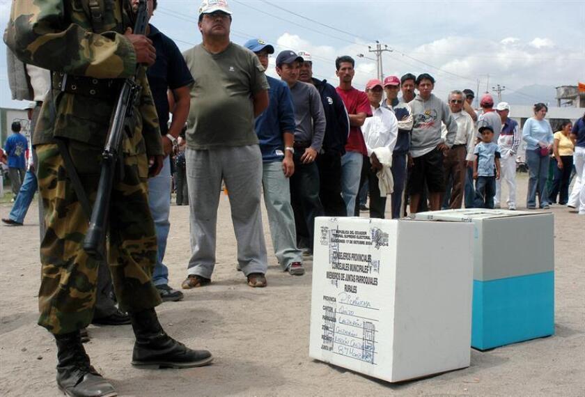 """La Organización de Estados Americanos (OEA) ha rechazado los """"actos de violencia"""" ocurridos en Ecuador en los días previos a la consulta popular de este domingo. EFE/Archivo"""