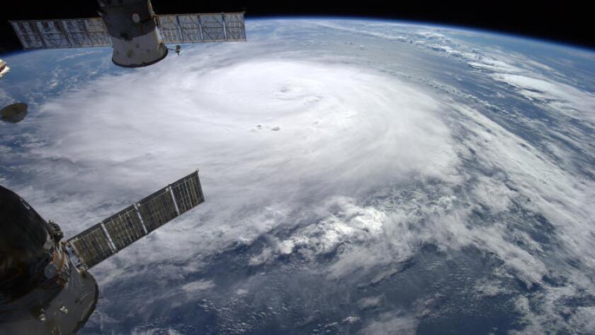 En esta foto aérea, se ve la formación del Huracán Gonzalo, que azotó las Beermudas el año pasado.