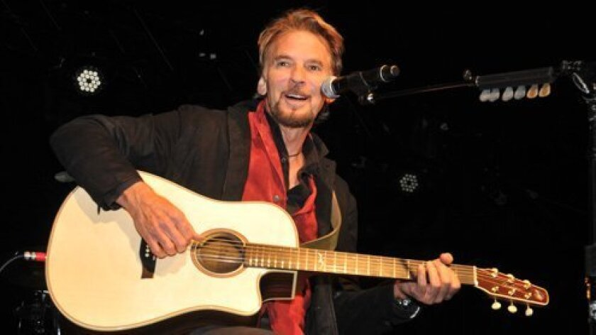 kenny-loggins-singing-Promises2Kids-Gala-www.LaJollaLight.com_