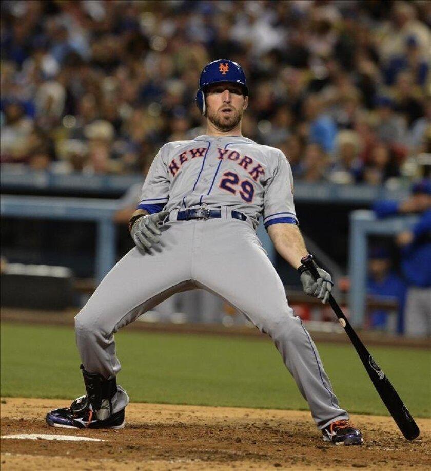 En la imagen. el jugador de los Mets de Nueva York, Ike Davis. EFE/Archivo