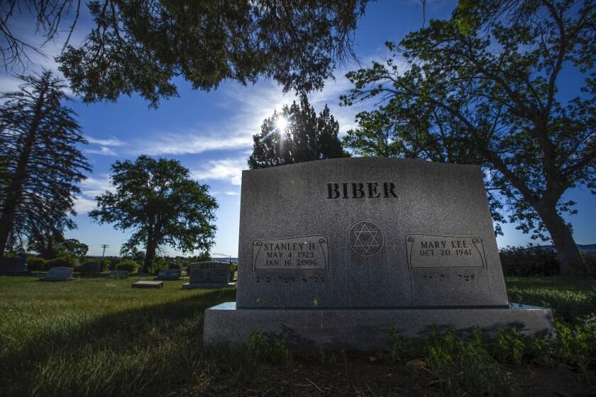 Biber grave at Masonic Cemetery