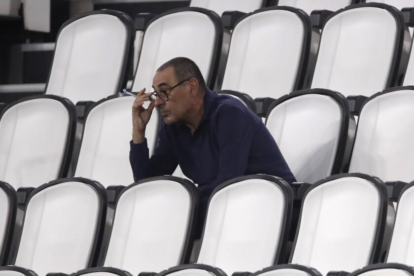 ARCHIVO - En esta foto del 1 de agsto del 2020, el técnico de Juventus Mautizio Sarri.