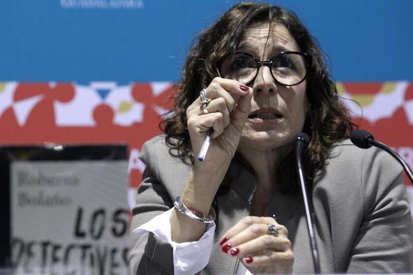 "Carolina López dijo hoy en México que no se asume como ""viuda"" del escritor chileno Roberto Bolaño (1953-2003), concepto que ve como un ""estereotipo que vende, pero no es real"". EFE"