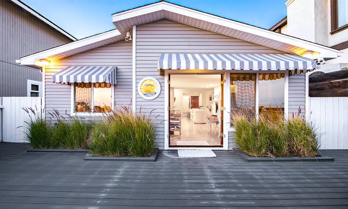 Christopher Lloyd's Ventura beach house - Los Angeles Times