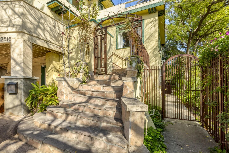 Arthur Rubinstein's Beachwood Canyon home   Hot Property